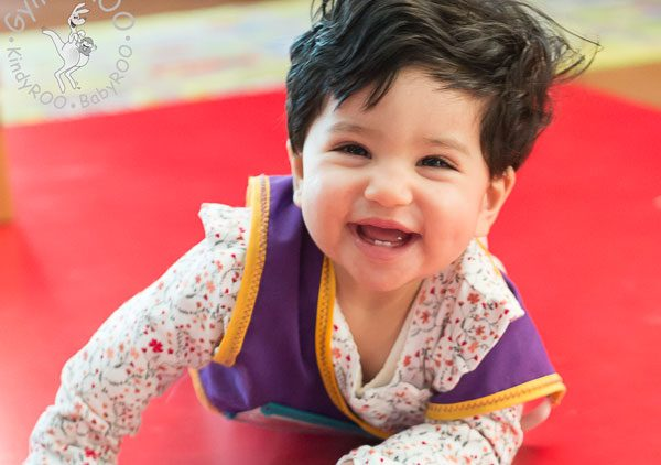 Tummy time: Why, how, tips and ideas. Free online GymbaROO-KindyROO