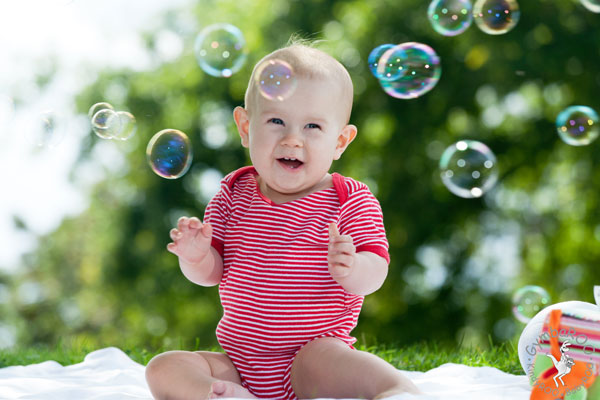 The benefits of bubble play