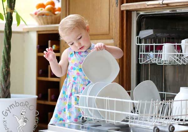 Chores for toddlers to 5 years: What chores at what age